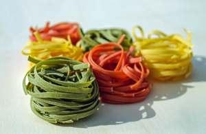 food colour three colour spaghetti