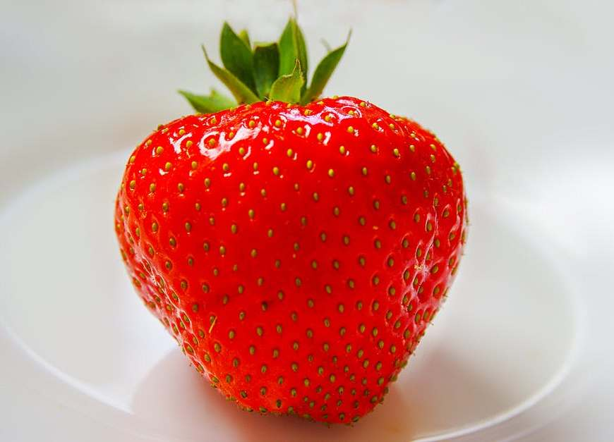 Food colour strawberry