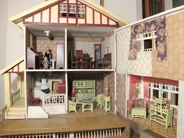 doll's house cross section
