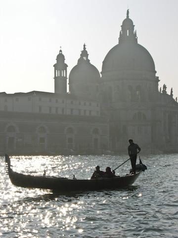 gondola black and white