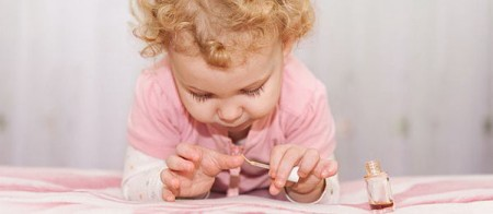 things to do while watching T V little girl painting nails
