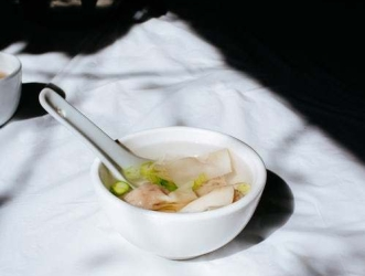cold remedies soup bowl