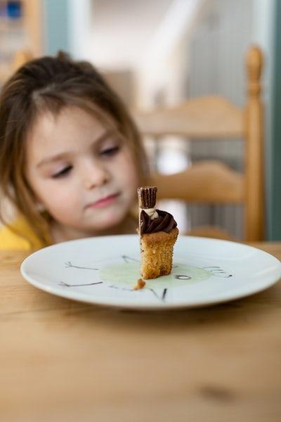 temptation girl half cake