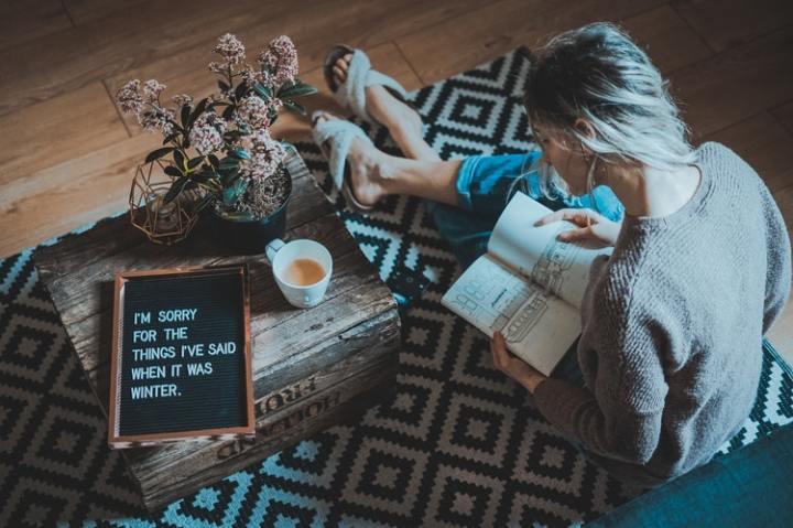 winter weekend tray girl book