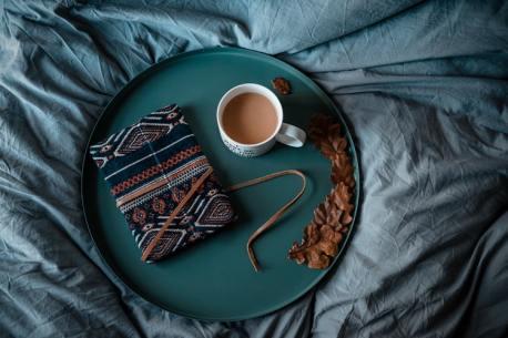 winter weekend white mug round tray