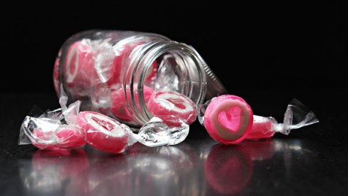 5 reasons to avoid the hype of valentine's day heart candy