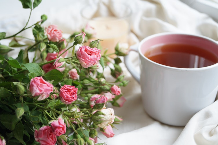 tea white mug roses