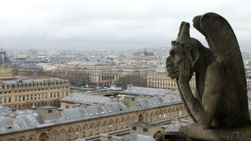 gargoyle wwatching over city