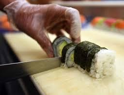 sushi slicing