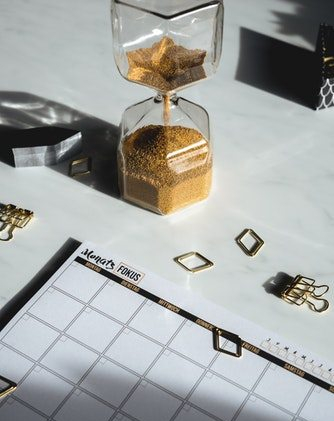 hour glass desk top planner
