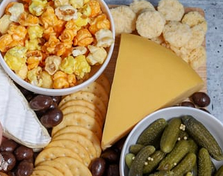 cheese board vegetables crackers